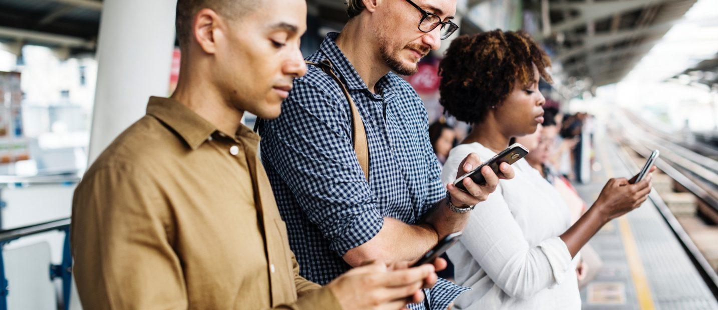 Redes sociais & tecnologia. Estamos cada vez mais dependentes?