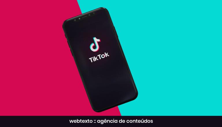 Tik Tok app: Luzes, Smartphone, Ação!